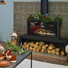 Inject a characterful new look into your home with our stylish Pressed Patina Steel Tiles. They have a metallic look with a striking period design; ideal for creating a charming, aged, vintage look in a bathroom or kitchen. Statement Wall, Steel Wall, Wall Spaces, Vintage Industrial, Vintage Patterns, Wall Tiles, Home Appliances, Flooring, Ceramics