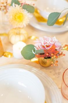 Thanksgiving Place Cards » DIY from Lovely Indeed