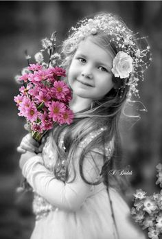 Trendy Ideas For Baby Fotos Zwart Wit Cute Baby Girl, Cute Little Girls, Cute Kids, Cute Babies, Precious Children, Beautiful Children, Beautiful Babies, Black And White Colour, Black And White Pictures