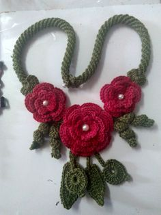 Ribbon Flower Tutorial, Curtain Holder, Crochet Accessories, Shabby, Tatting, Knit Crochet, Crochet Necklace, Chokers, Leaf Flowers