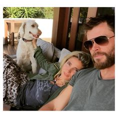 Spanish actress Elsa Pataky has broken her silence over photos that appeared to show her having a heated exchange with her husband, Chris Hemsworth in Byron Bay. Elsa Pataky, Chris Hemsworth Family, Hemsworth Brothers, Celebrity Selfies, Celebrity Couples, Funny Instagram Posts, Pet Snake, Spanish Actress, Guinness World