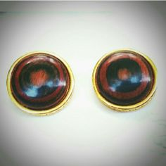 "Vtg Kenneth Lane Amber Swirled Bakelite Earrings Vintage Kenneth Jay Lane Amber Swirled (bakelite?)/Gold Button Earrings. Beautiful clip-back earrings, about 1.2"". Amazing condition. I have a KJL bakelite necklace that is the same color, hence my guess. Kenneth Jay Lane Jewelry Earrings"