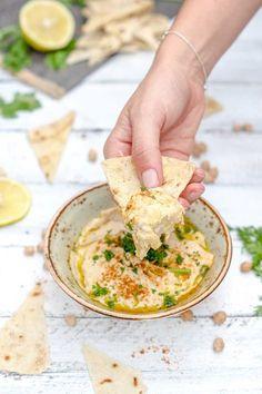 Orientalisches Dip-Vergnügen? Hummus selber machen kann so einfach sein - Das komplette Rezept für die Zubereitung findest Du auf Foodlikers.de!