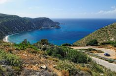 Winding road to the Patani Beach, on the north of the peninsula. #travel #greece #kefalonia