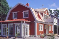 Bilderesultat for veranda plåttak Scandinavian Home, Nordic Home, Sweden House, Red Houses, Villa, Red Cottage, House Extensions, My Dream Home, Exterior Design
