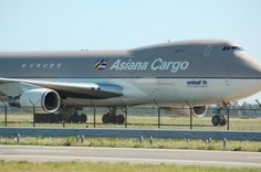 Boeing 747 Cargo from Asiana @ Schiphol Airport