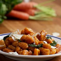 Sweet Potato Gnocchi With Browned Butter And Sage Süßkartoffel Gnocchi Mit Gebräunter Butter Und Salbei Vegan and Vegetarian Veggie Recipes, Vegetarian Recipes, Dinner Recipes, Cooking Recipes, Healthy Recipes, Vegetarian Dinners, Spinach Recipes, Sandwich Recipes, Italian Recipes