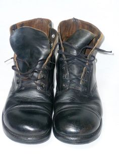 Up for sale is a pair of Good Condition Korean War Era Customized Cap Toe Combat Black Leather Military Biker Rider Jump Boots. The size is a Men's 9 D but check the measurements to be sure a proper fit as all manufacturer's have different sizing standards. | eBay!