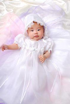 27.73$  Buy here - https://alitems.com/g/1e8d114494b01f4c715516525dc3e8/?i=5&ulp=https%3A%2F%2Fwww.aliexpress.com%2Fitem%2F2015-New-design-High-quality-Baby-girl-Christening-Gown-wedding-Dresses-Newborn-formal-Baptism-dress-set%2F32299676885.html - 2015 New design High quality Baby girl Christening Gown wedding Dresses Newborn formal Baptism dress set dress+cap 27.73$