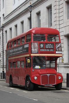 Photographs and images of London in portrait that can also be used as wallpaper for smartphones. London Red Bus, Old London, London City, London Transport, Mode Of Transport, Public Transport, New Bus, Routemaster, Double Decker Bus