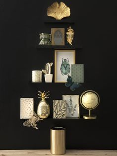 Home Decoration on Maisons du Monde. Take a look at all the furniture and decorative objects on Maisons du Monde. Decorative Storage Boxes, Decorative Items, Boutique Deco, Alternative Christmas Tree, Tidy Up, Beautiful Mess, Contemporary Decor, My Room, Decorating Your Home