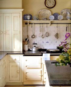 Country Kitchen Design Ideas: Some kitchens are made to be admired at a distance; country kitchens are made to be used. See the entire range of country kitchen style in this photo gallery English Cottage Kitchens, English House, English Cottages, English Kitchen Interior, French Kitchens, English Cottage Style, French Cottage, English Country Decor, Country Charm