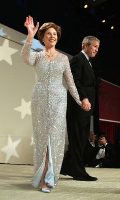 Fashion Politics - Laura Bush in Oscar de la Renta, 2005    AHHH NOW THERE IS A BEAUTIFUL AND PRECIOUS LADY AND PRESIDENT.. OH HOW I MISS THEM.