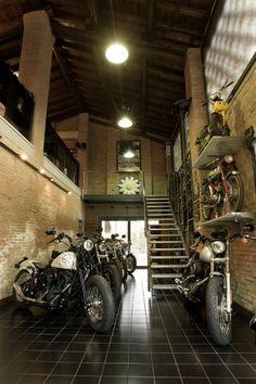 Motorrad garage...