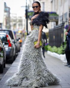 𝓚𝓝𝓞𝓦 𝓗𝓞𝓦 𝓣𝓞 𝓦𝓔𝓐𝓡 Tendenze Autunnali by   Nyfw Street Style, Casual Street Style, High Fashion Outfits, Gala Dresses, Runway Fashion, Fashion Trends, Fashion Beauty, Haute Couture Fashion, Pretty Dresses