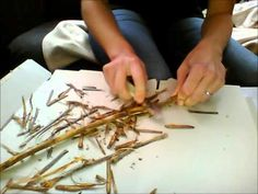 DIY Wicca altar tools: how to make your own wand Wicca Wand, Wiccan Spells, Green Witchcraft, Diy Wand, Wiccan Crafts, Eclectic Witch, Fairy Wands, Harry Potter Wand, Wire Crafts