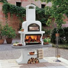 Barbecue design combined with oven - structure made of refractory concrete. Worktop made of marmotech (a special mixture of refractory concrete and marble granulates with high mechanical and high heat resistance) gray polished, granite effect with chromed Pizza Oven Outdoor, Outdoor Cooking, Outdoor Fire, Outdoor Living, Barbecue Four A Pizza, Design Barbecue, Barbecue Garden, Charcoal Bbq, Outdoor Kitchen Design