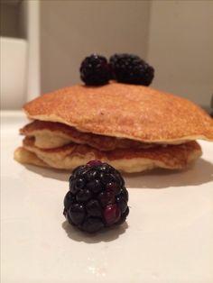 Almond pancake : almond flour / egg / baking powder / salt / cashew butter / sugar .. Great fast metabolism diet phase 3 breakfast