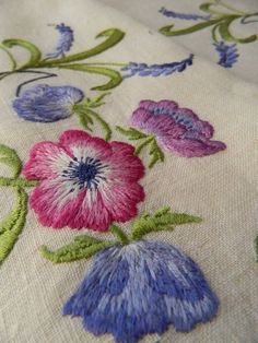 Vintage hand embroidered Irish linen table topper - Anemone & Grape Hyacinths Hand Embroidery Projects, Crewel Embroidery, Cross Stitch Embroidery, Embroidery Designs, Table Toppers, Beautiful Hands, Needlework, Recipes, Vintage