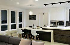 Parcourez les images de %{space_category } de style Moderne % de OUA 오유에이. Inspirez-vous des plus belles photos pour créer votre maison de rêve.