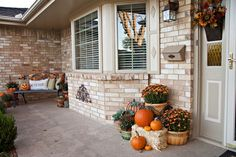 Tracy's Trinkets and Treasures: The Rest of the Porch-Ready for Fall Ya'll