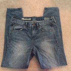 Madewell boyfriend jeans size 26 Madewell distressed boyfriend jeans, size 26. Great condition! Madewell Jeans Boyfriend