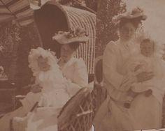 A rare photo of Empress Alexandra Feodorovna with her youngest daughter, Grand Duchess Anastasia Nikolaevna, c. 1902.