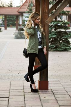 Love this outfit and combination of colors