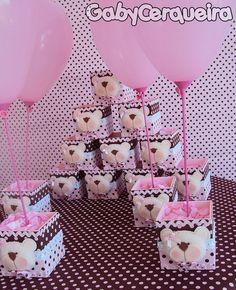 centro de mesa / ursa marrom e rosa
