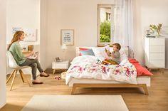 Micasa Schlafzimmer mit Bett, Nachttisch und Kommode aus dem Programm Maillard