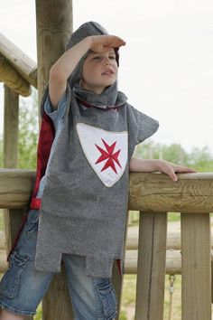 This Warrior Knight outfit is perfect for boys fighting baddies. The fantastic tabbard has a white shield with a red satin cross on the front. One size Boys Fancy Dress, Kids Dress Up, Boy Dress Up Clothes, Dress Up Outfits, Knight Outfit, Knight Costume, Knight Party, Knights Helmet, Carnival