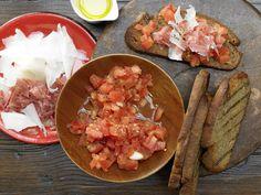 Katalanisches Röstbrot - mit Tomaten - smarter - Kalorien: 172 Kcal - Zeit: 25 Min. | eatsmarter.de
