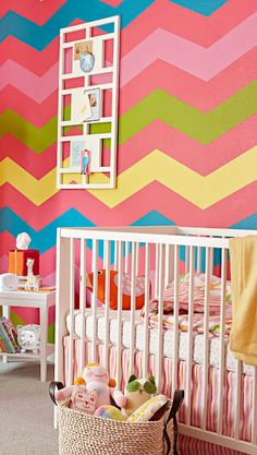 Bright and Colorful...this combination definitely makes the nursery pop.  #baby #babysdream #nursery #chevron #colorful Paredes Chevron, Room Inspiration, Design Inspiration, Design Ideas, Deco Kids, Nursery Paintings, Nursery Design, Wall Design, Playroom Design