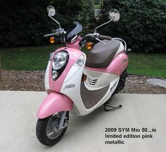 2009 SYM Mio 50 scooter in Limited Edition Pink Metallic My Dream Car, Dream Cars, Pink Moped, Pink Cars, Auto Accessories, Motor Scooters, Caravans, Robotics, Autos