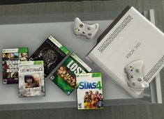 Here's a little deco set of xbox 360 cd games as foll. Here's a little deco set of xbox 360 . Sims 3, Sims Four, Los Sims 4 Mods, Sims 4 Game Mods, Sims Free Play, Play Sims, Sims 4 Cc Furniture Living Rooms, Bedroom Furniture, Deco Gamer