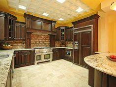 Customized Kitchen Cabinets
