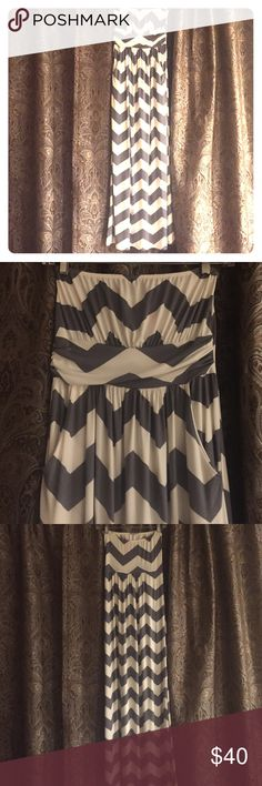 Beautiful chevron maxi dress Nwot grey/white chevron, strapless maxi dress.  Bought at a boutique. So cute with front side pockets Fashionomics Dresses Maxi