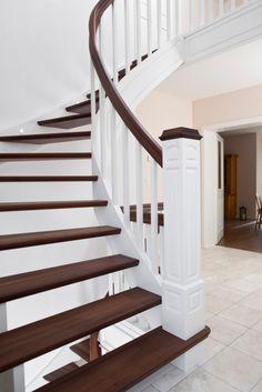 wangentreppe mit eingebohrter led beleuchtung in der wange holzart buche auf nussbaum gebeizt. Black Bedroom Furniture Sets. Home Design Ideas