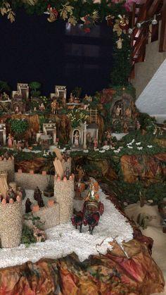 Nativity Scenes, Christmas Nativity Scene, Christmas Holidays, Xmas, Christmas Tree, Navidad Diy, Display, Texture, Holiday Decor
