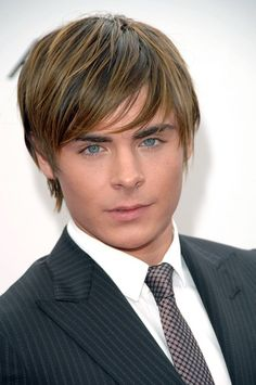 Zac Efron Hairstyles – 20 Best Men's Hair Looks - Bob-Frisuren 2019 Hairstyles Haircuts, Haircuts For Men, Straight Hairstyles, Cool Hairstyles, Hairstyle Ideas, Hairstyle Men, Formal Hairstyles, Hair Ideas, Home