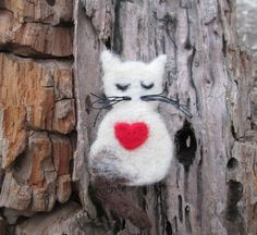 White cat brooch Animalpin Needle felted brooch Red by NedaArt