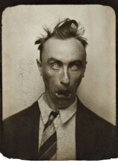Selfies Tanguy Pose Reference Photo, Hair Reference, Old Pictures, Old Photos, Vintage Magazine, Vintage Photo Booths, Silly Faces, History Of Photography, Face Expressions