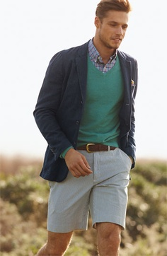All Polo Ralph Lauren -V-neck sweater in Halyard Green Heather + Seersucker Shorts