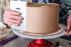 How to Get a Sharp Edge on Your Buttercream Frosted Cake - Cake by Courtney