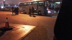 La Policía detiene en un autobús a los dirigentes de la CUP en busca por quemar fotos del Rey