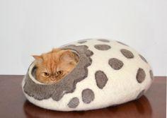 Cat bed Wool Cat Savannah SIZE L, cats cave, pets house