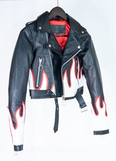 Buy Hollywood Movie Male Celebrity Real Leather Coat, Costume and Jackets at affordable price in USA/UK and Canada at one stop shop Celebrities Outfits. Custom Denim Jackets, Best Leather Jackets, Painted Leather Jacket, Cropped Leather Jacket, Painted Jeans, Painted Clothes, Denim Fashion, Leather Fashion, Girly Outfits