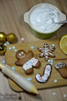 Food Cakes, Gingerbread Cookies, Cake Recipes, Pudding, Baking, Breakfast, Drinks, Cakes, Gingerbread Cupcakes
