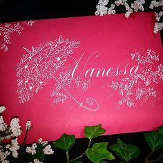 189 отметок «Нравится», 17 комментариев — F Phyllis Macaluso (@fpmmac) в Instagram: «#bride #bridal #weddingcalligraphy #bridalshower #copperplate #calligraphy #envelopeart…»