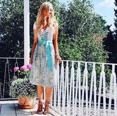 AlpenHerz Herbst Winter Kollektion. Traditionell, exklusiv und einzigartig! #dirndl #hochzeit #tradition #schürze #schleife #dirndlschleife #oktoberfest #frisur #wiesn #münchen #fashion #tradition #style #blau #rosa #trachten #tracht #bluse #dirndlbluse #trachtenbluse #liebe #hochzeit #inspiration #schmuck #spitze #wiesn2016 #blogger #bloggerwiesn #oktoberfest #edel #designerdirndl